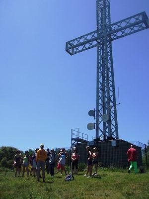 La croix de ternant domine la faille de la Limagne