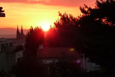 cathédrale clermont ferrand levé de soleil