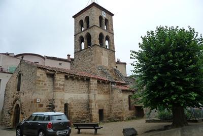 Le village de Boudes, départ de la randonnée de la vallée des saints