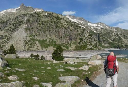 Monter au Néouvielle au départ du lac d'Aubert