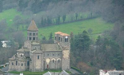 L'église de Saint Nectaire, joyau de l'art roman auvergnat
