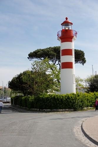 phare à proximité du vieux port