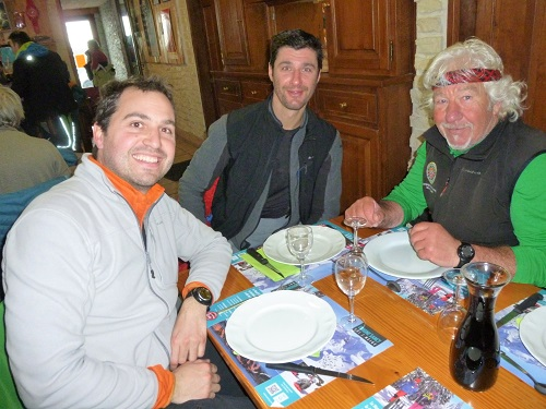 La dream team des accompagnateurs en montagne au restaurant le Roc